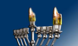 Hanuka-menorah-how-to-light-where-nachman