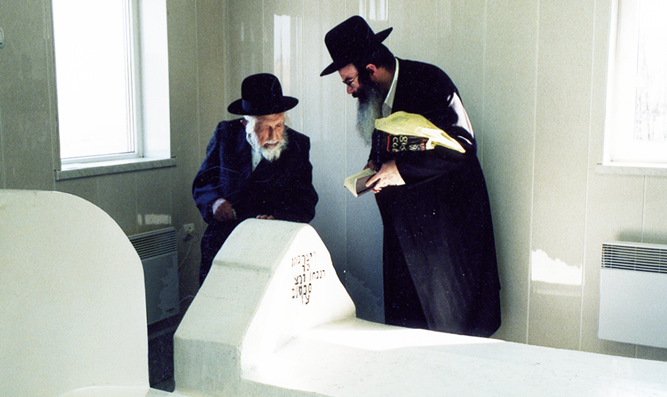 "Kever of Reb Noson of Nemirov in Breslov, Ukraine. Reb Michel Dorfman z""l (left and Rabbi Nasan Maimon. Photo by Reb Michel's grandson, Zev Rumer, 2004."