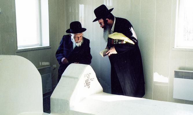 """Kever of Rav Nasan of Nemirov in Breslov, Ukraine. Reb Michel Dorfman z""""l (left and Rabbi Nasan Maimon. Photo by Reb Michel's grandson, Zev Rumer, 2004."""